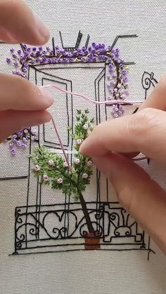 Hand Embroidery Patterns Flowers, Hand Embroidery Videos, Embroidery Stitches Tutorial, Embroidery Hoop Art, Embroidery Techniques, French Knot Embroidery, Rose Embroidery, Creative Embroidery, Simple Embroidery Designs