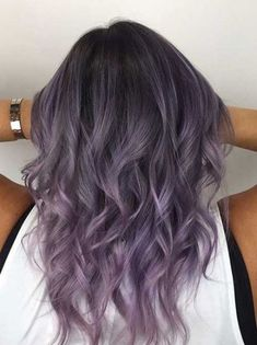 20 Lovely Lavender Ombre Hair Color Ideas 20 Lovely Lavender Ombre Hair Color Ideas<br> A lavender ombre hair look is feminine, flirty and perfect for helping you achieve the pastel princess look that you're aiming for! These hair color ideas helps you Lavender Hair Colors, Hair Color Purple, Hair Dye Colors, Purple Ombre, Lavender Hair Highlights, Pastel Highlights, Ombre Hair Lavender, Dark Hair With Purple, Hair Color Ideas For Dark Hair