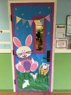 Classroom Door Decorations Spring Website 56 Ideas - New Deko Sites Door Decoration For Preschool, Preschool Door, School Door Decorations, Kindergarten Door, Easter Bulletin Boards, School Doors, Diy Ostern, Spring Door, Classroom Door