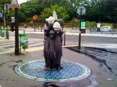 Paris : Les Poings d'Eau, 5 fontaines à boire créées par le plasticien Pascale Marthine Tayou - Boulevard Davout - Paris 20