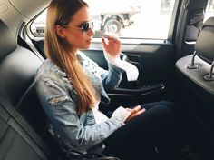 Alexa Carolin Thiele wearing REPLAY Broken Edge. Check out the Jacket here https://www.zalando.de/replay-jeansjacke-heavy-destroyed-re321g01l-k11.html #replay #replaygermany #jeansjacket #replaydenim #alexacarolinthiele