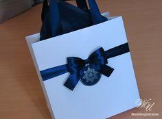 Hey, I found this really awesome Etsy listing at https://www.etsy.com/ru/listing/244222198/elegant-christmas-gift-bag-with-satin Christmas Gift Bags, Christmas Gift Wrapping, Christmas Deco, Christmas 2015, Holiday Gifts, Elegant Birthday Party, Birthday Party Favors, Elegant Christmas, Welcome Bags