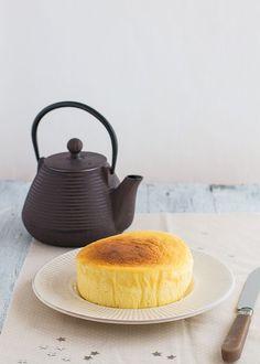 El pastel de queso japonés es una tarta fácil y riquísima. En esta receta paso a paso te contamos cómo hacer pastel japonés, la tarta de los 3 ingredientes.