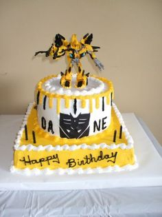 Bumble Bee Transformer Cake