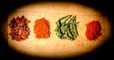 Peperone dolce essiccato in polvere; bell pepper powder; peperone crusco #italianpeppers #driedpeppers #spices #bellpepperpowder #peperonedolce #altino #abruzzo #peperonecrusco