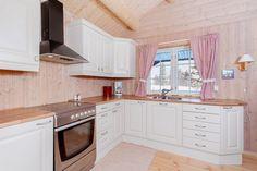 Найти Vinjevegen - Топ современных høyfjellshytte со всеми удобствами. 3 спальнями и дополнительной гостиной наверху. Лыжные трассы и озера для рыбной ловли.