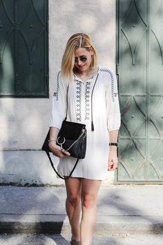 tifmys – Chloé Faye bag, Céline knot bracelet, Larsson&Jennings watch, Zara tunic dress & Ray Ban Round Metal sunnies.