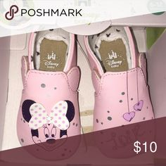 New in Box-baby girl Minnie shoes New in box. I received 2 of these same pair for our baby. Super cute Minnie Mouse shoes in pink. Disney Shoes Baby & Walker
