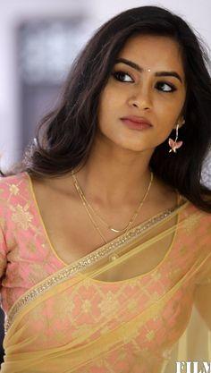 Bollywood Actress Hot, Beautiful Bollywood Actress, Beautiful Actresses, Beauty Full Girl, Cute Beauty, Beauty Women, Beautiful Girl Image, Beautiful People, Beautiful Women