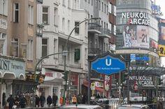 http://www.quartiersmanagement-berlin.de/fileadmin/content-media/Gebietsgalerien/024_Flughafenstrasse_Neukoelln_Arcaden__Sabine_Muench_.JPG