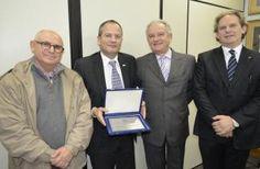 Cônsul Geral de Israel em São Paulo se despede do país e ganha homenagem da Federação Israelita do RS