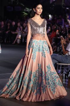 28 Best Manish Malhotra Lehenga Designs That Are Every Bride's Dream! Lehenga Choli Designs, Indian Lehenga, Blue Lehenga, Indian Dresses, Indian Outfits, Pakistani Dresses, Manish Malhotra Lehenga, Manish Malhotra Bridal, Saris