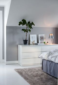 Bedroom Hotel Inspiration - Home inspo ideas Home Bedroom, Bedroom Decor, Grey Bedroom Paint, Grey Bedrooms, Grey Paint, Bedroom Furniture, House Of Philia, Deco Design, My New Room