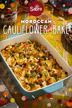 Marokkanischer Blumenkohl backen – The Perfect Friendsgiving for… Thanksgiving Vegetables, Thanksgiving Recipes, Holiday Recipes, Dinner Recipes, Baked Cauliflower, Cauliflower Dishes, Baked Vegetables, Veggies, Vegetable Sides