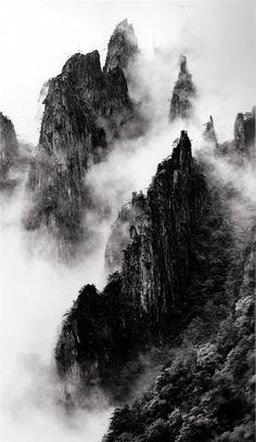 -disciples-of-buddha-down-mountain-ridges-taken-at-dawn-pavillion-may-1984-3-pm.jpg    FLAG THIS IMAGE