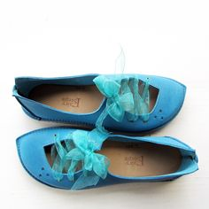 Custom Shoes in Summer Blue - Fairysteps. Boho Style, My Style, Handmade Leather Shoes, Hippie Chic, Custom Shoes, Moccasins, Boho Fashion, Gypsy, Porn