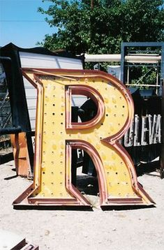love that letter R. For my Ron! Alphabet Photography, Art Photography, Vegas Sign, Letter Stencils, Vintage Lettering, Old Signs, Alphabet And Numbers, Letter Art, Typography Poster