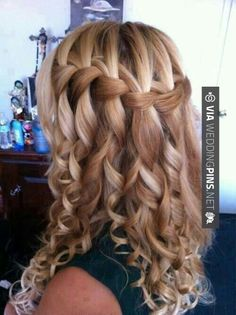 Gorgeous hair style for long hair.