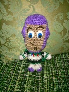 Amigurumi Buzz Lightyear de Toy Story - Patrón Gratis en Español aquí: http://amigurumienlaplaya.blogspot.com.es/search/label/Buzz%20Lightyear