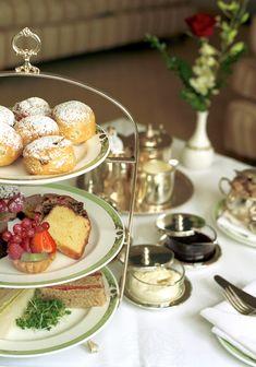 The Merrion Hotel, Dublin, for art afternoon tea Afternoon Delight, Afternoon Tea Parties, Vegan Teas, Welsh Recipes, Tea And Crumpets, Tea Party Wedding, My Tea, High Tea, Tea Time