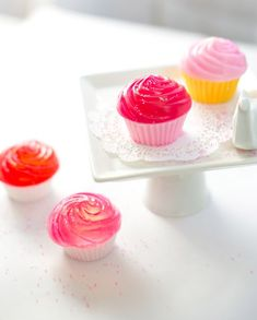 DIY Mini Cupcake Stand and Making Cupcake Soap | http://hellonatural.co/diy-cupcake-stand-cupcake-soap/