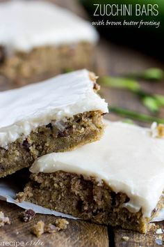 Zucchini Bars with Brown Butter Frosting .An amazing way to use up 2 cups of zucchini in these delicious bars and the best part is the brown butter frosting on top! Köstliche Desserts, Delicious Desserts, Dessert Recipes, Yummy Food, Healthy Desserts, Eat Dessert First, Dessert Bars, Zucchini Bars, Zucchini Bread