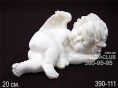 маленький ангелочек из гипса