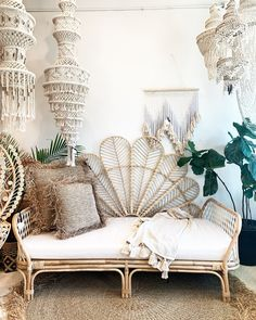 Your place to buy and sell all things handmade Our new Petal headboard is a gorgeous piece that sits Rattan Furniture, Living Room Furniture, Furniture Legs, Barbie Furniture, Garden Furniture, Furniture Design, Dining Rooms, Rattan Headboard, Boho Lounge
