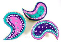 Absolutely beautiful paisley cookies in pink, puples and aqua