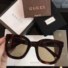 Stylish Sunglasses, Sunglasses Outlet, Gucci Sunglasses, Black Sunglasses, Sunnies, Sunglasses Women, Glasses Outfit, Fashion Eye Glasses, Elton John Sunglasses