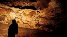 Cave paintings in Lascaux, France. Shield Drawing, Cave Bear, Underground Caves, Visit France, Old Stone, Great Pictures, Rock Art, Archaeology, Painting