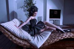 Modèle : Lilith Abélia. Make-up et coiffure : Guillaume Roche. Assistante : Tao.