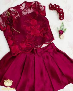 Image may contain: one or more people Cute Toddler Girl Clothes, Toddler Dress, Baby Girl Fashion, Kids Fashion, Kids Gown, Baby Boutique Clothing, Baby Frocks Designs, Baby Dress Patterns, Kids Frocks