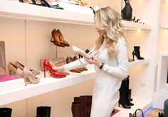 The Best Of Fashion And Style - Fresh Design, Models, Outfit & Fashion Accessories - Shopping And Fashion Advice. Best Shoe Stores, Fashion Shoes, Fashion Dresses, Fashion Clothes, Converse Fashion, Fashion Vest, Fast Fashion, Fashion Boutique, Fashion Fashion