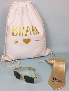 JGA backpacks - stylish bride & team gym bags for hen parties – online in the Hen & Stag JGA Shop! Wedding Games, Diy Wedding, Dream Wedding, Best Wedding Dresses, Wedding Suits, Gymnastics Bags, Honeymoon Night, Girl Thinking, Cloth Bags