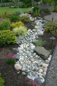 Landscaping with River Rock & Dry River Rock Garden Ideas Create a beautiful and low maintenance garden incorporating river rock; landscaping with a dry stream and using river rock to accent your garden. River Rock Landscaping, Landscaping With Rocks, Backyard Landscaping, Backyard Ideas, Luxury Landscaping, Walkway Ideas, Dry Riverbed Landscaping, Outdoor Walkway, Large Backyard