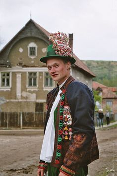 Inaktelke, Hungary May 2004 Folk Costume, Costumes, Norwegian Clothing, Kei Visual, Beauty Around The World, Folk Dance, Jesus On The Cross, People Of The World, Ethnic Fashion