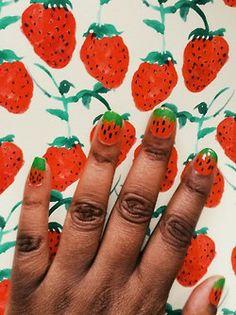 bouffantsandbrokenhearts:  Strawberry nails!