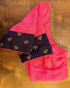 A cool colour combo for the moms who wanted to look very simple for their daughter's big day. Best Blouse Designs, Simple Blouse Designs, Traditional Blouse Designs, Pattu Saree Blouse Designs, Hand Work Blouse Design, Embroidery Blouses, Embroidery Designs, Hand Embroidery, Colour Combo