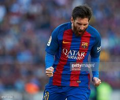 News Photo : Lionel Messi of Barcelona celebrates after...