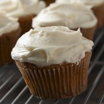 Julie's Fluffy Vanilla Cupcakes