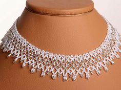 Free pattern for beaded wedding necklace Dia. Perfect for fiance! U need: seed beads 11/0