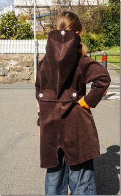 retro jacket with elephants  Retro jakke med elefanter og alvehette, sydd i babycord og mellomriflet cord.