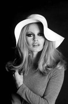 Brigitte Bardot (°1934) hair