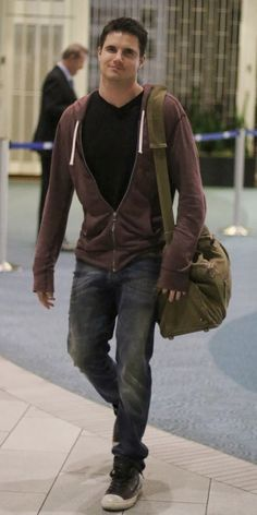 VJBrendan.com: Out & About: Robbie Amell at the Vancouver International Airport in Canada.