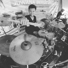 Olahraga di pagi yg ceria.. Juwana bersih juwana sehat   #myset #myself #drums #tamadrums #tamaimperialstar #staggcymbals #stagghd #sabiancymbals #sabianb8pro #drumcam #drumporn #vicfirth #keepdrumming #photooftheday by rizqi.bagus