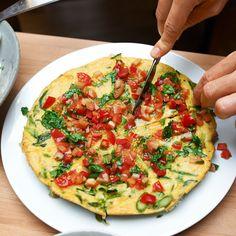 Frittata  mit Tomatensalsa   deli