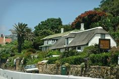 Het Posthuys and Rhodes Cottage Museum – Muizenberg - Cape Town Tourism Cape Town Tourism, Farm Houses, Modern Buildings, All Over The World, Cottages, Places To See, South Africa, Restoration, Surfing