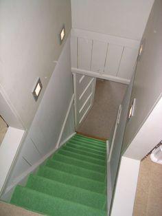 Heb je veel wit in huis en wil je wat meer kleur dan kun je er voor kiezen om op de trap een - Huis trap ...