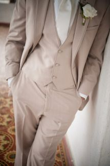 Groom suit #wedding #groom #greysuit